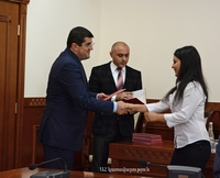 Arayik Harutyunyan presented diplomas to a number of ANAU graduates with excellent marks