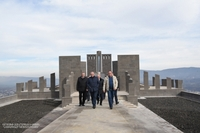 Посещение строительной площадки возводимого в квартале Айкаван г.Степанакерта спортивно-культурного комплекса
